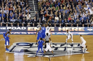 NCAA-Tournament-National-Championship-Tip-Off-Photo