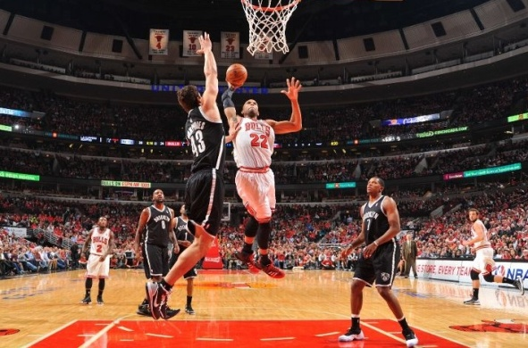 Taj Gibson Dunks On Kris Humphries6